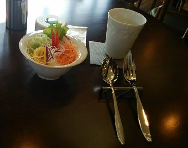 あうん・ベジカレーのサラダ1